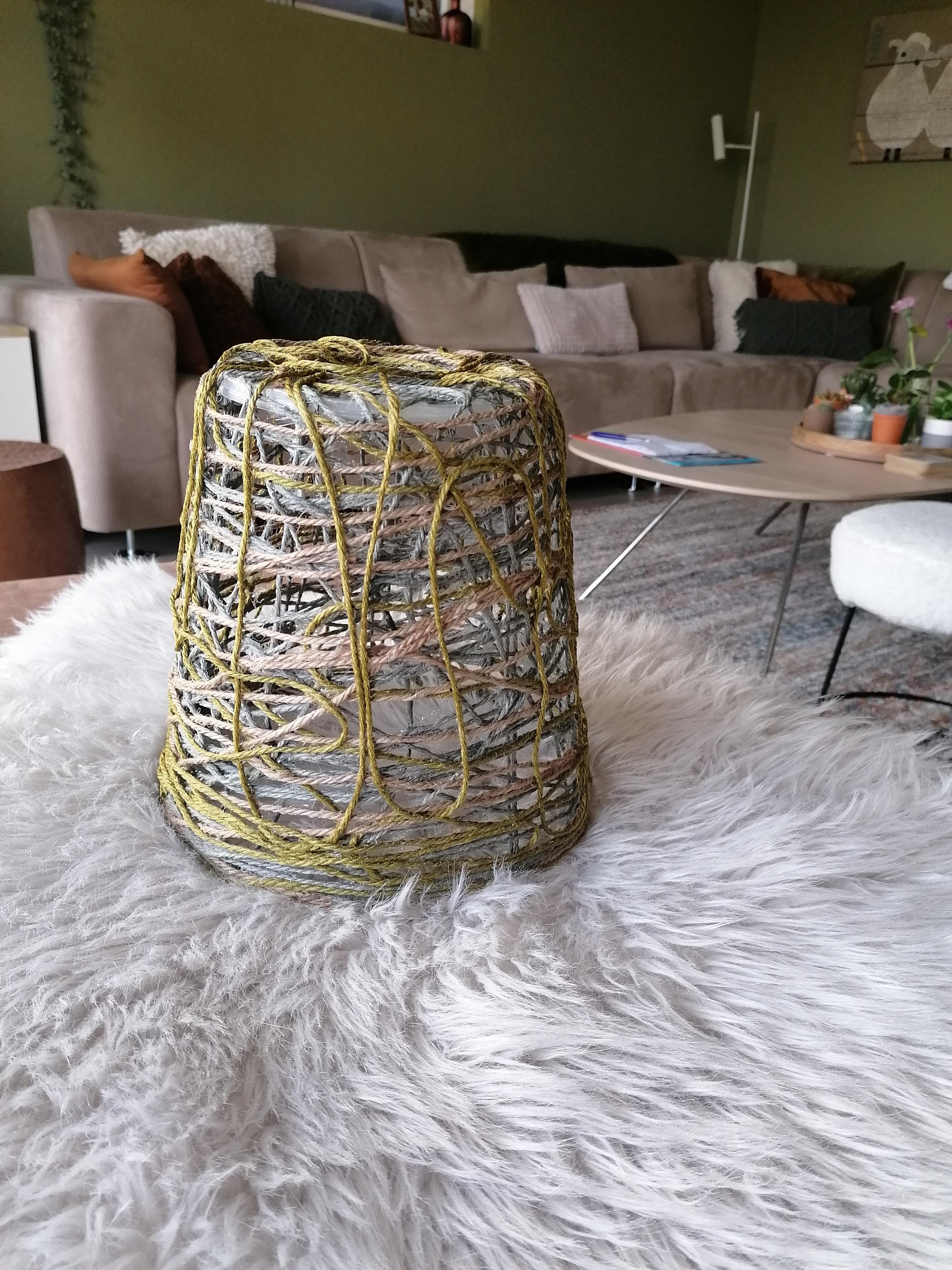 Gekleurd jute touw ter decoratie (40 m) gebruik: Om een lamp van te maken...